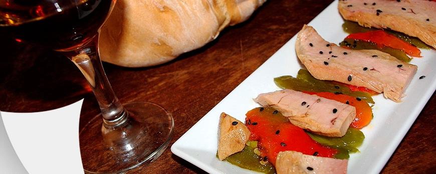 Ensalada de pimientos con ventresca de atún claro | Receta