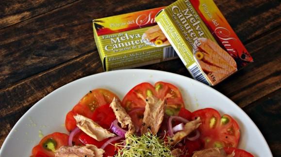 Ensalada de Tomates Raf y Melva con Brotes